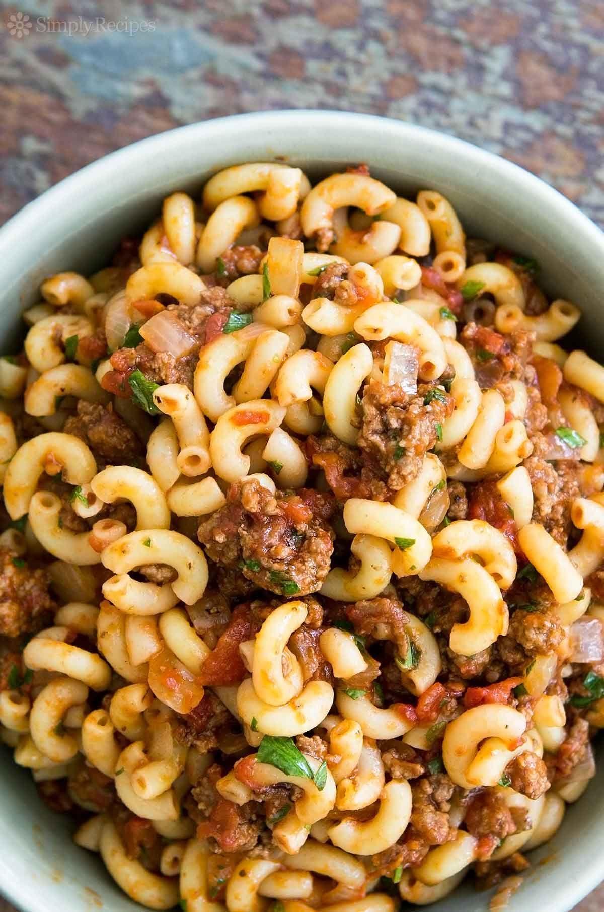 Hamburger And Macaroni Recipe Simplyrecipes Com Pasta Recipes Macaroni Recipes Elbow Pasta Recipes