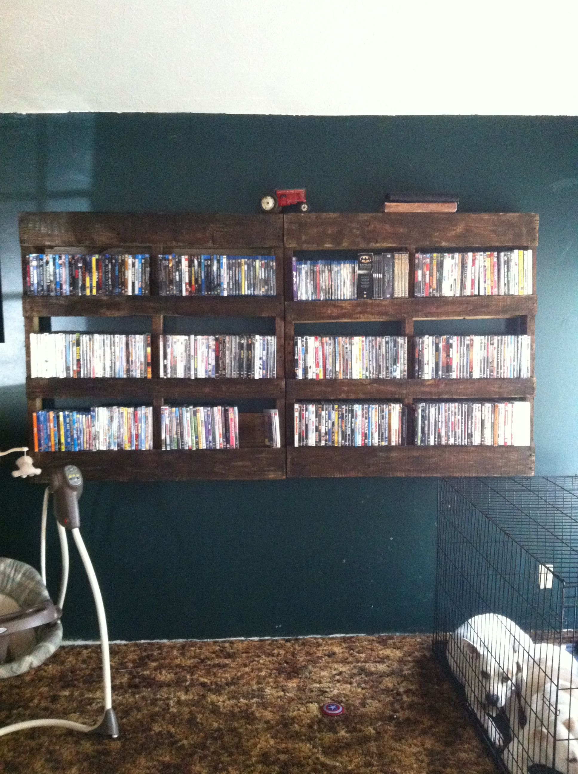 "Rustic Dvd Rack . ""stained Pallet"" Diy Projects"