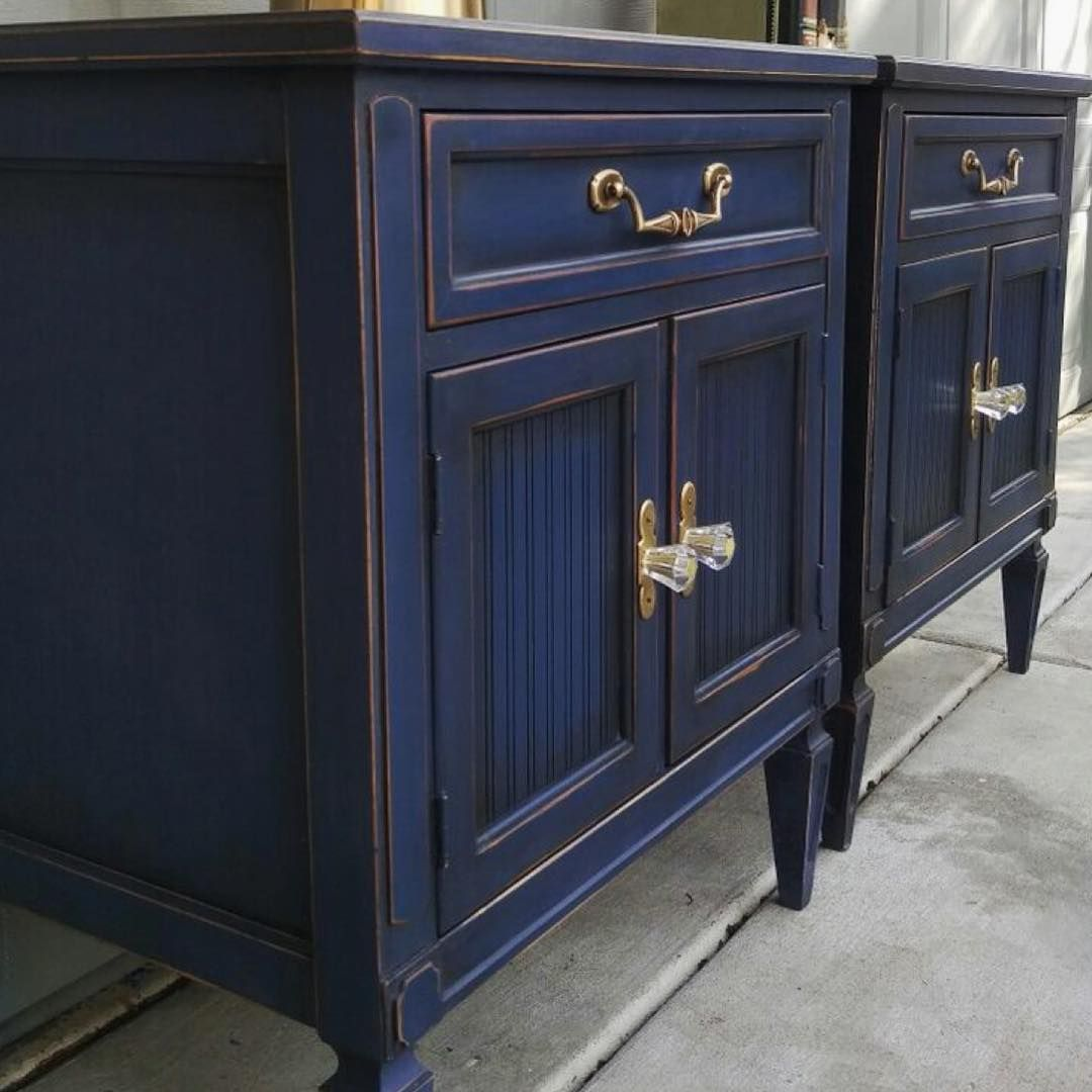 Small nightstands are made stunning with Chalk Paint® by Annie Sloan ...