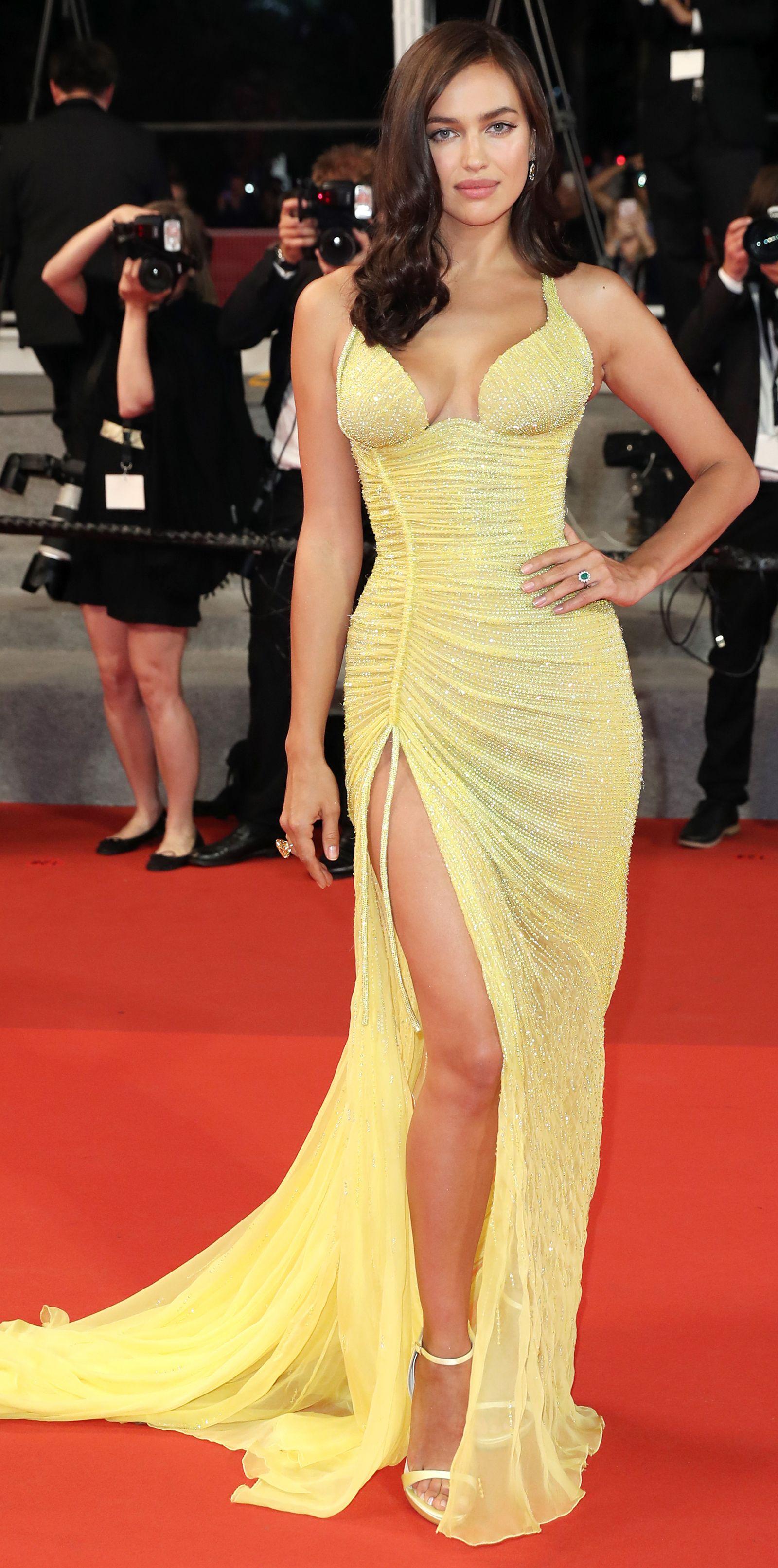 Look of the Day | Yellow & Gold Dresses | Pinterest | Irina shayk ...