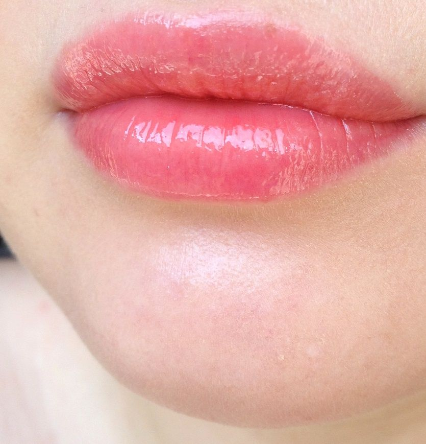 jpg Chanel-rouge-coco-gloss-swatches-748-nectar-6 Губы Дома Покупка