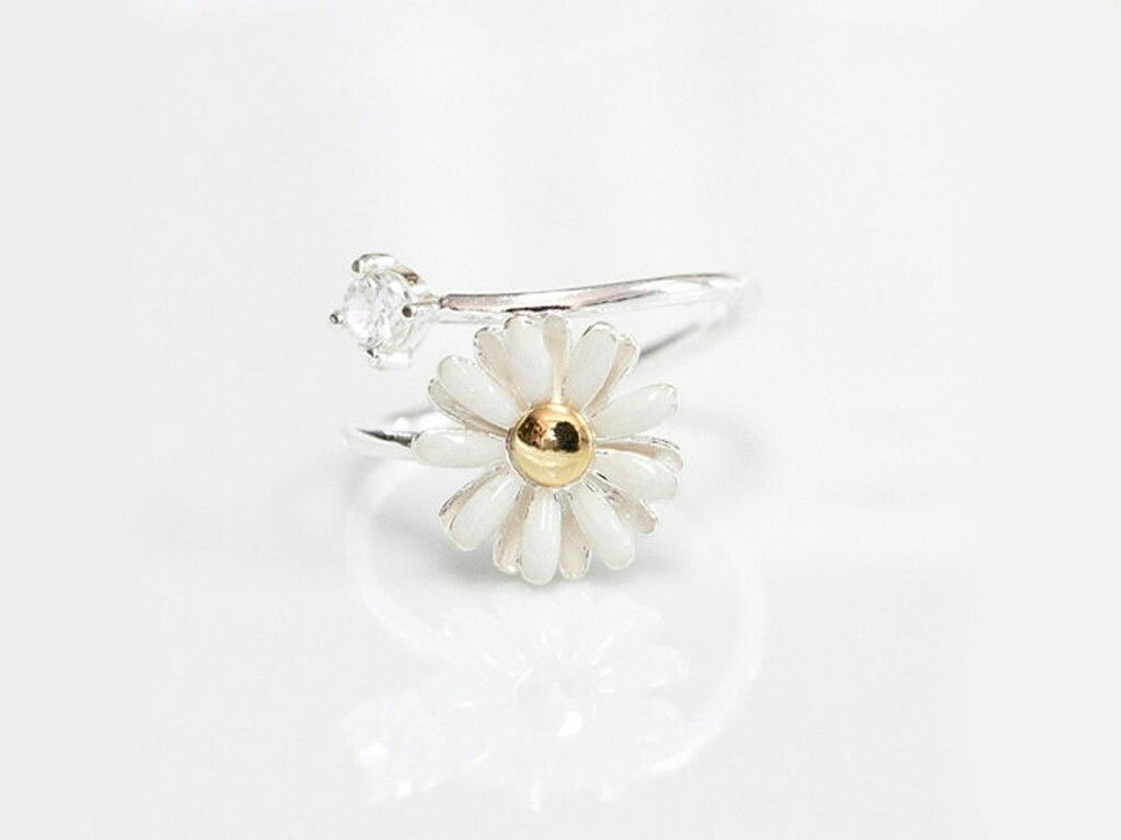 Daisy flower ring fashion pinterest ring and fashion daisy flower ring izmirmasajfo