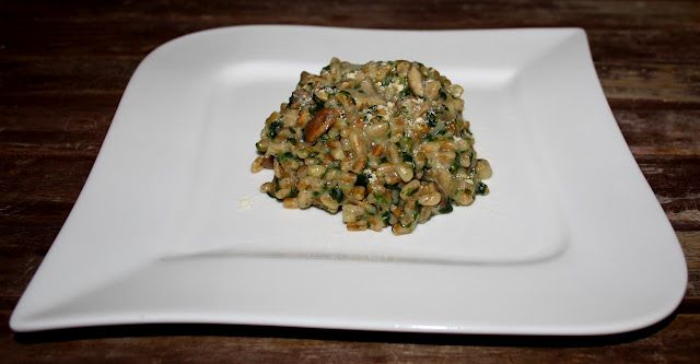 Dinkel-Risotto mit Pilzen und Spinat