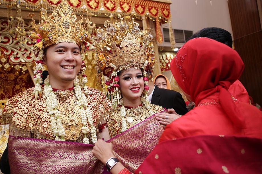 Traditional Minang and Palembang Wedding Pengantin