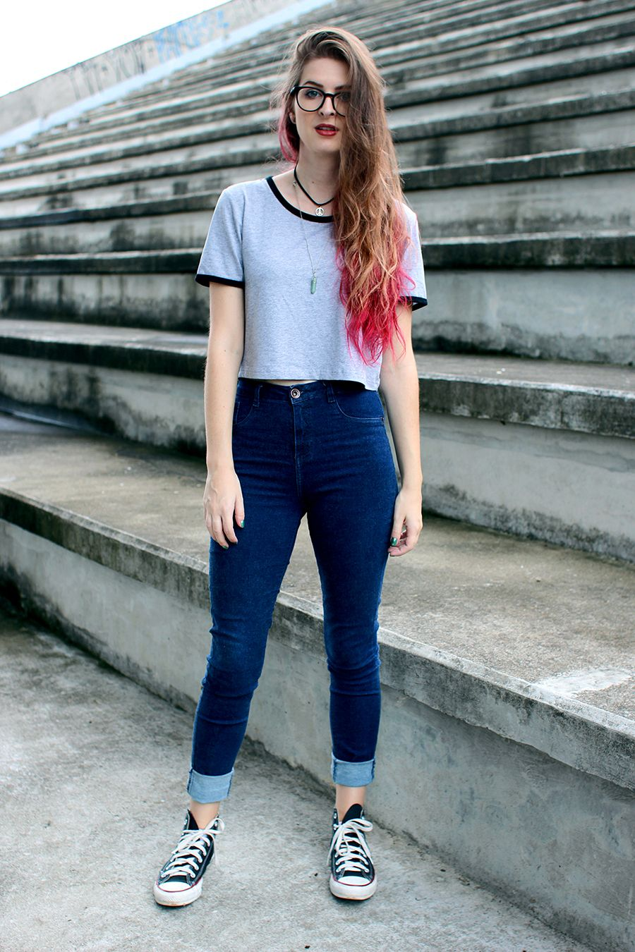 Look moletom t-shirt jeans e tu00eanis. | Clothes Ootd and Hipsters