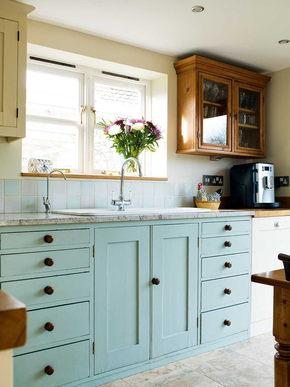 Angela Hart and Richard Rush filled their extended kitchen space ...