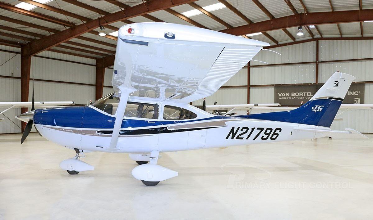 Cessna 172 Skyhawk SP Nav II MFD Cockpit Poster 75/%-100/% Scale from £29.85