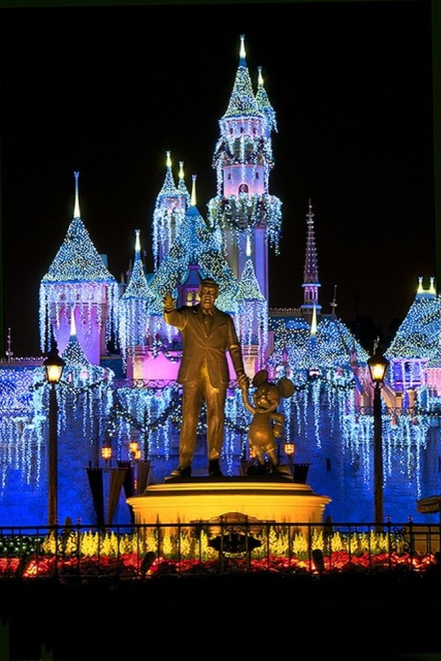 Christmas IPhone Wallpaper Castle In Anaheim