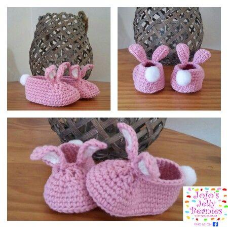 Cute bunny slippers frm Jojo's Jelly Beanies on fb #crochet