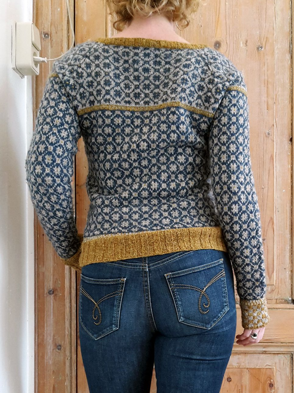 Ravelry: hinke\'s A colorwork cardigan, one or another | knit fast ...