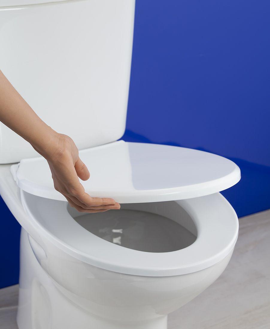 Adaptable a la mayoría de inodoros del mercado. Diseño anatómico. Higiénico. No favorece la proliferación de bacterias. Colocación fácil y rápida. #baño #toilet #higiénico #inodoro #Toyma #bath #hygienic