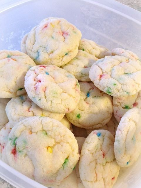 Funfetti Cookies 1 Funfetti Cake Mix 1 Egg 1 4 Cup Vegetable Oil 1 4 Cup Water Just Under 1 4 Cup Flour 350 Deg Cake Mix Recipes Food Funfetti Cake Mix