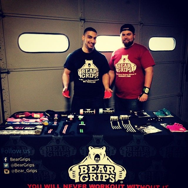 team beargrips out at