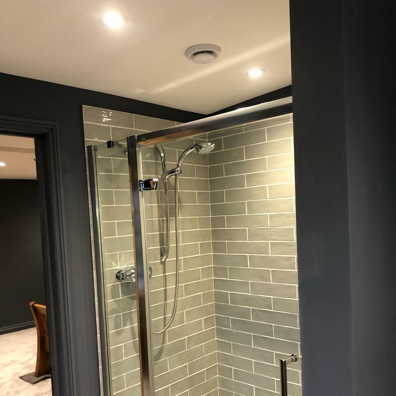 Handmade bathroom or kitchen wall tile in 2020 | Green ...