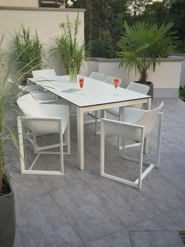 Emu 480 Ausziehbarer Garten Ess Tisch Round Aus Stahl Mit Hpl Platte 160 Cm Bis 268 Cm Ambiente Farbe 23 Weis Ausziehtisch Garten Gartenmobel Weiss Gartenstuhle