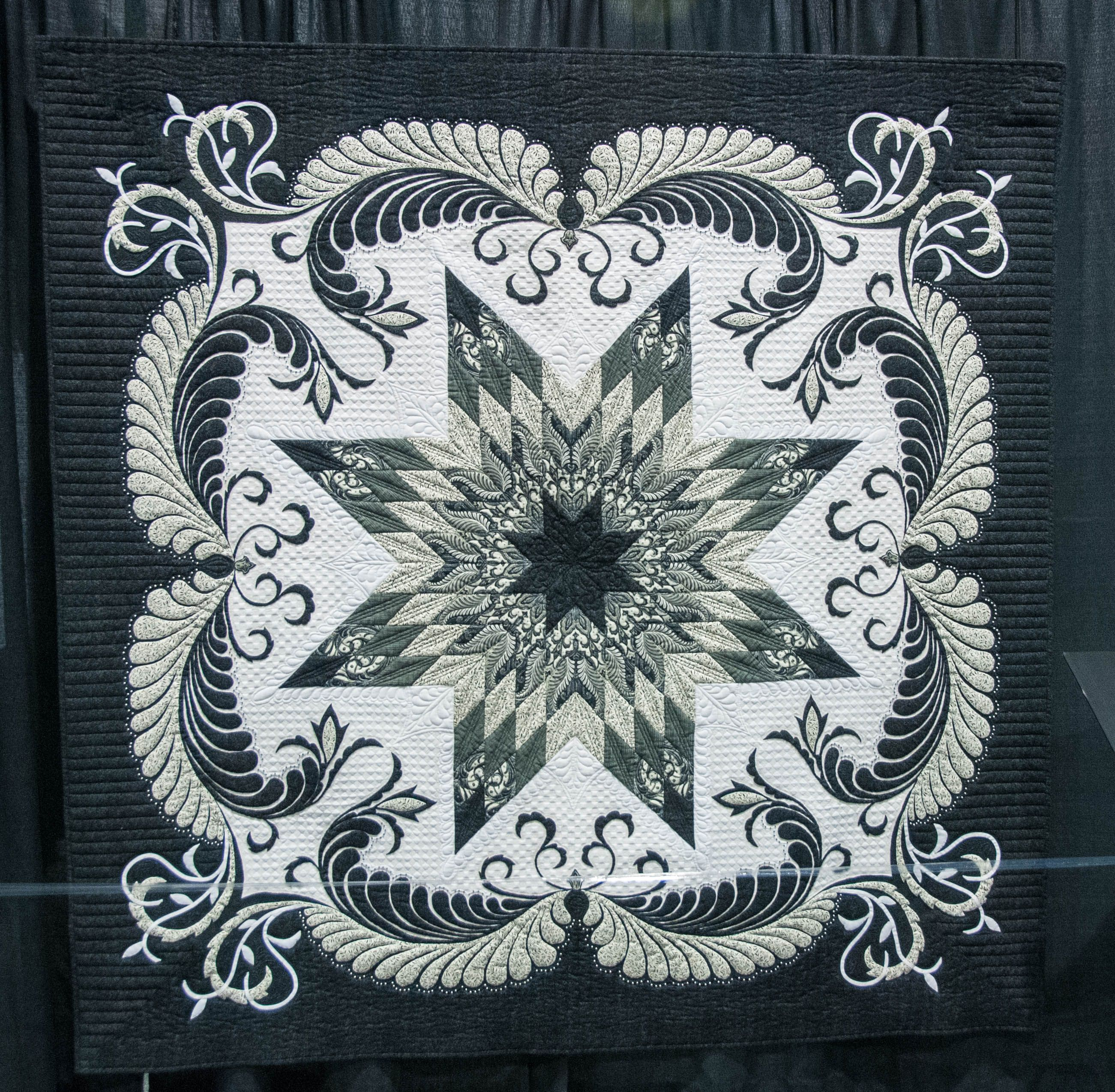 Ravendale Star by Linda Fleschner. In the Quilts A World