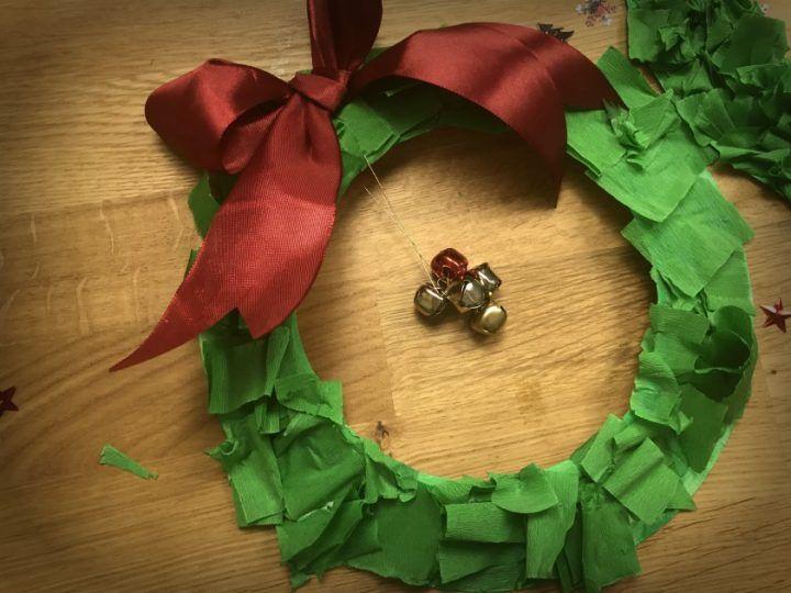 Photo of Ghirlanda natalizia con piatto di carta | MammAcs