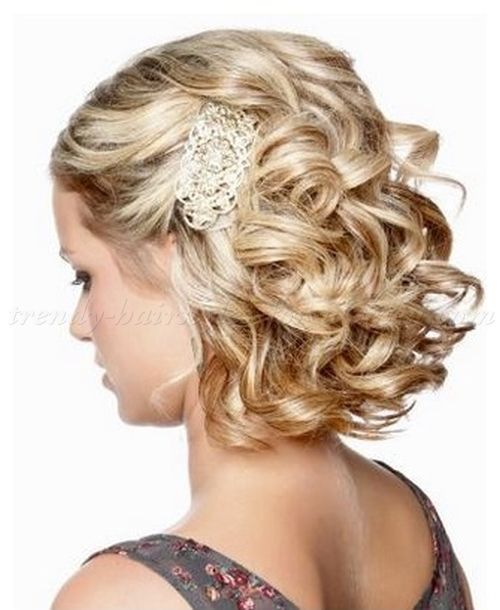 Wavy And Curly Medium Length Hairstyles For Women Medium Length Half Updo Hairstyle Formal Hairstyles For Short Hair Cute Curly Hairstyles Hair Styles