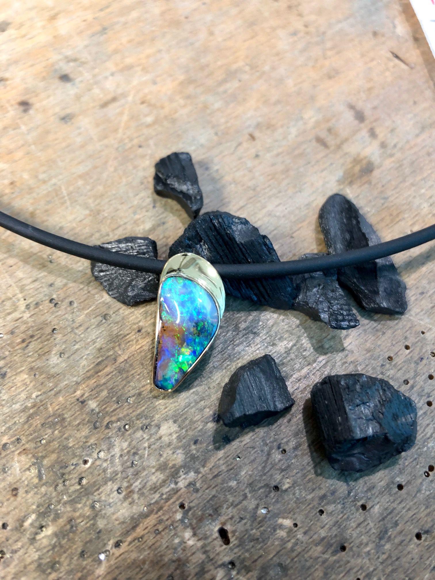 Hellblauer Opal Opal Gold Hellblau