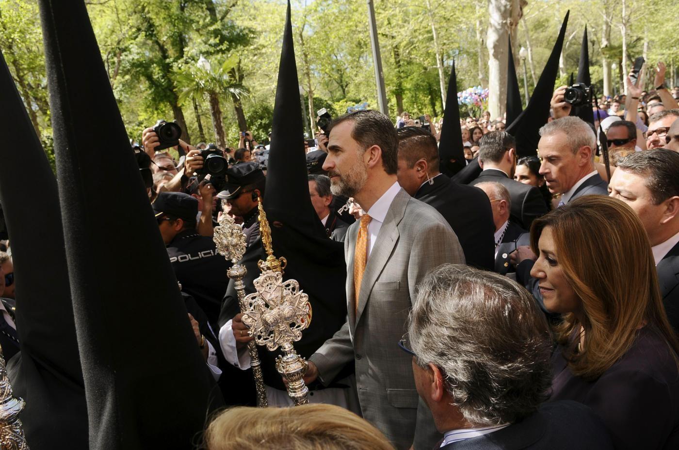 Foro Hispanico de Opiniones sobre la Realeza: El rey Felipe VI asiste a su primera Semana Santa como monarca. 30/3/2015