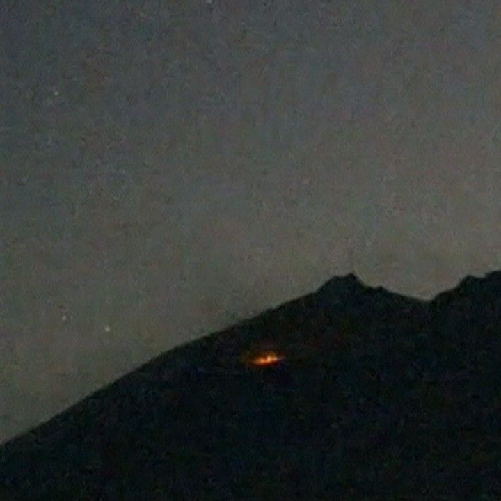 5 FEB: Japan's Sakurajima volcano erupts just 50 kilometers away from nuclear reactors. Authorities have raised the emergency level but are stopping short of ordering local residents to evacuate the area. Why volcanoes erupt: bbc.in/eruption #Volcano #Eruption #Erupt #Lava #Nature #Sakurajima #Kagoshima #Japan #BBCShorts  #BBCNews  @BBCNews by bbcnews