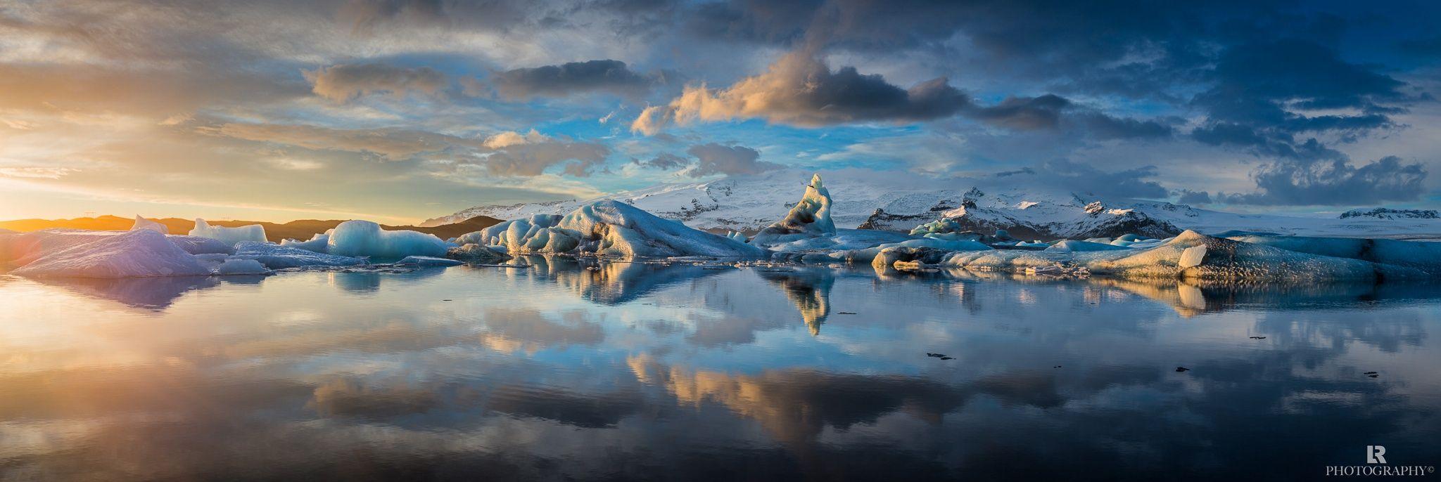 Jökulsárlón lagoon in southeastern Iceland. Photo by Lorenzo Riva [2048x686]