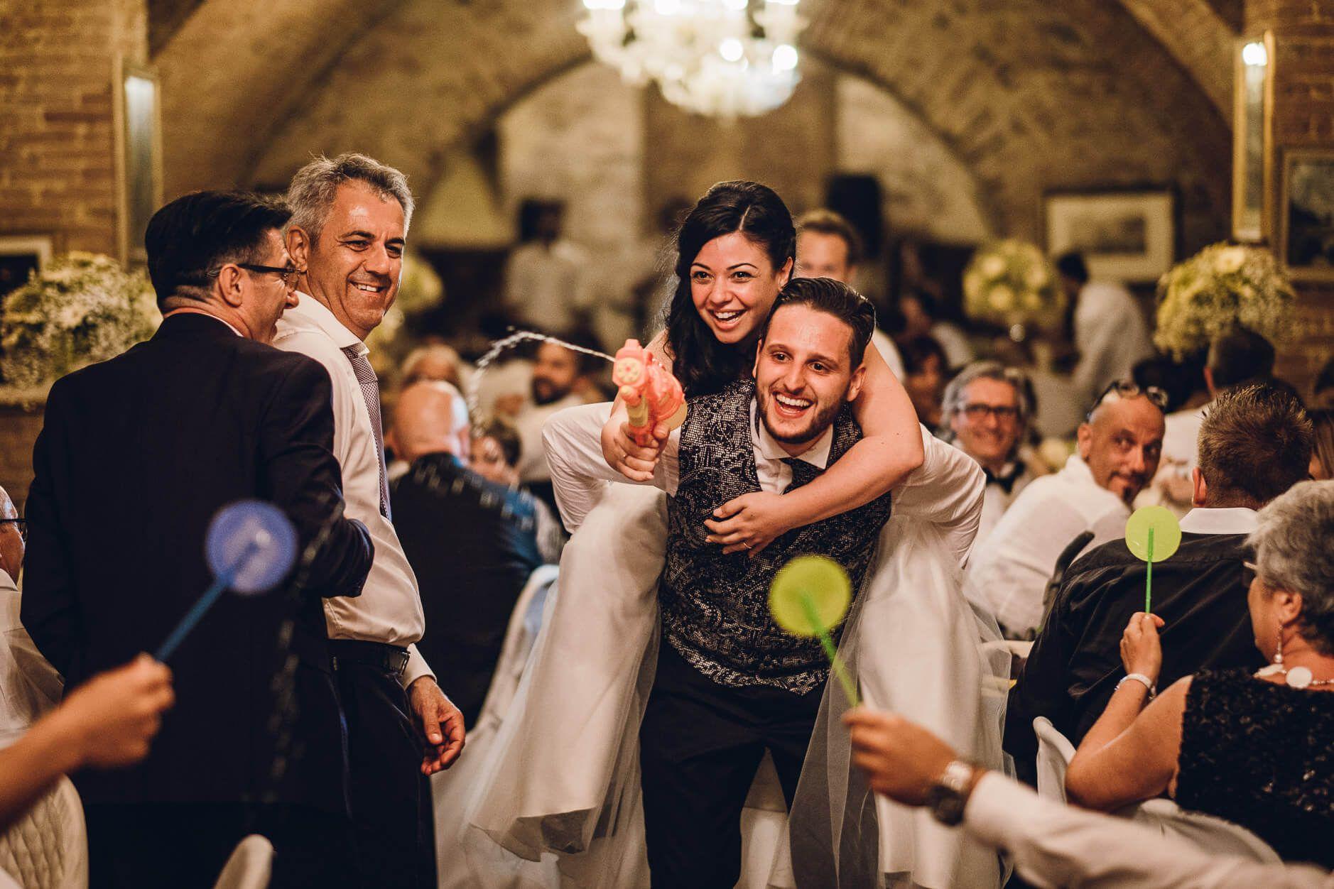 15 Idee Di Scherzi Per Matrimonio Divertenti E Originali Joyphotographers Magazine Nel 2020 Matrimonio Divertente Matrimonio Idee Per Matrimoni