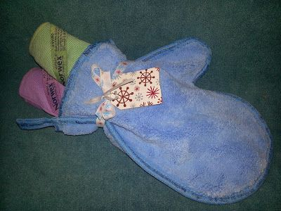 Holiday Gift Giving with Norwex - Norwex Household Package (Enviro Cloth, Window Cloth, and Dusting Mitt) - $48.99 http://www.fastgreenclean.com/2013/09/enviro-cloth-and-wind...