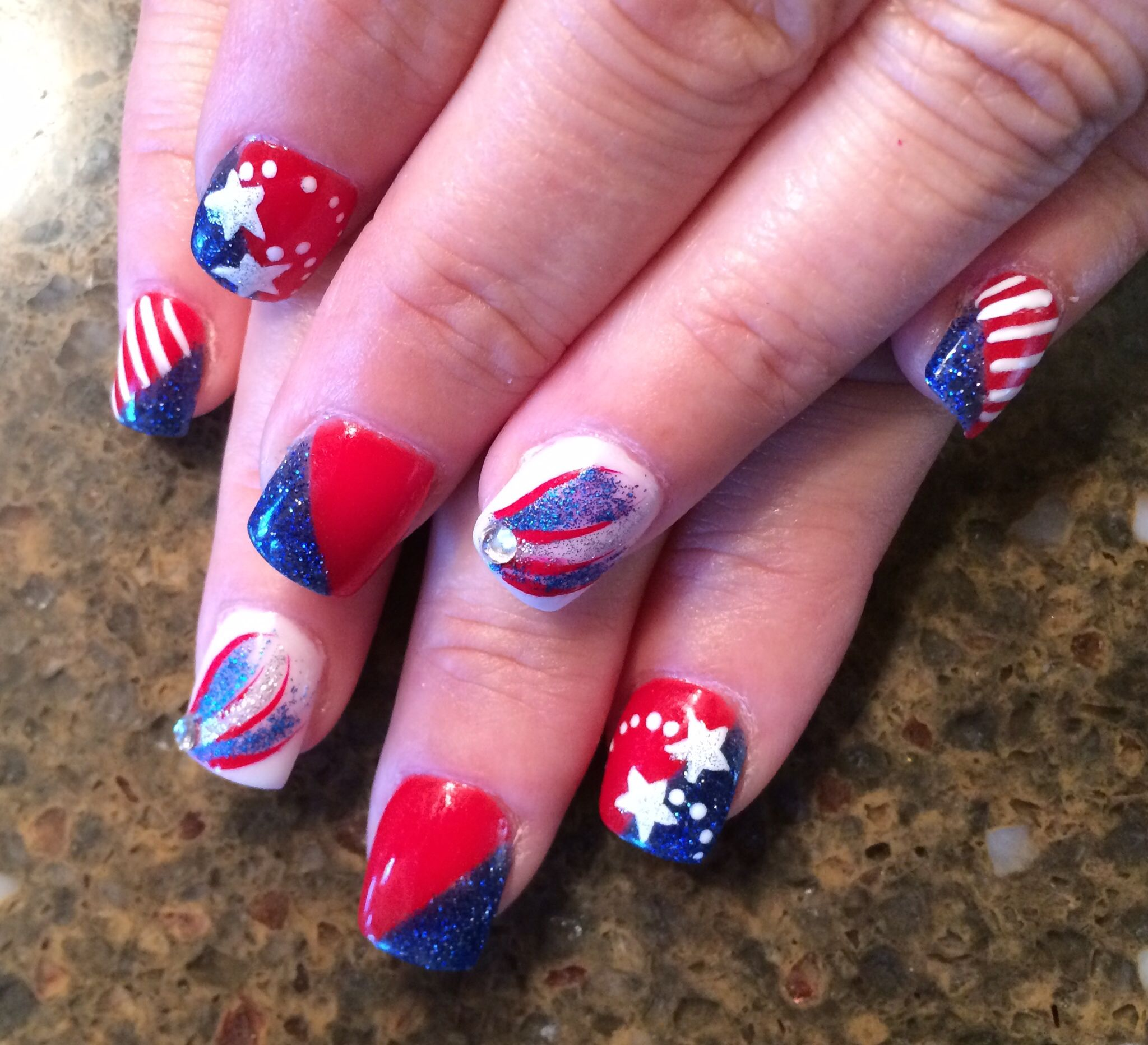 Patriotic nails for the 4th of July courtesy of Patricia at Lighten ...