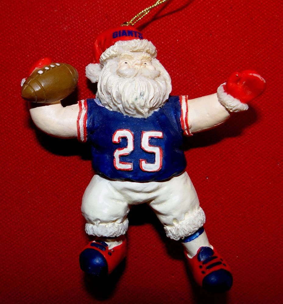 NY GIANTS FOOTBALL TEAM CHRISTMAS SANTA WITH FOOTBALL ORNAMENT (Bin ...