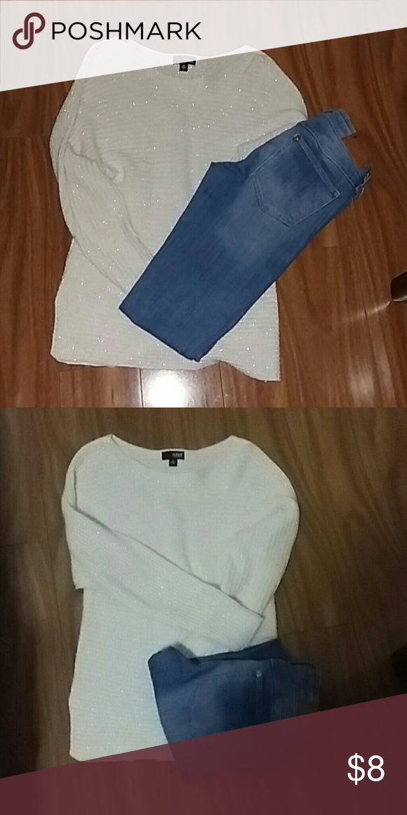 White sparkly sweater Like new sweater in size Xs. This sweater fits perfectly and I am sometimes size M jcpenney Sweaters Crew & Scoop Necks