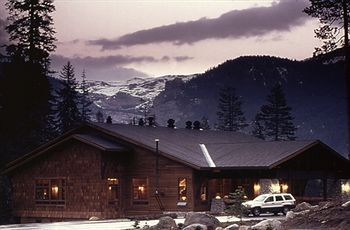 Ready For An Adventure Wuksachi Lodge Village Is Located Right In Sequoia National Park C Sequoia National Park Hotels Sequoia National Park National Parks