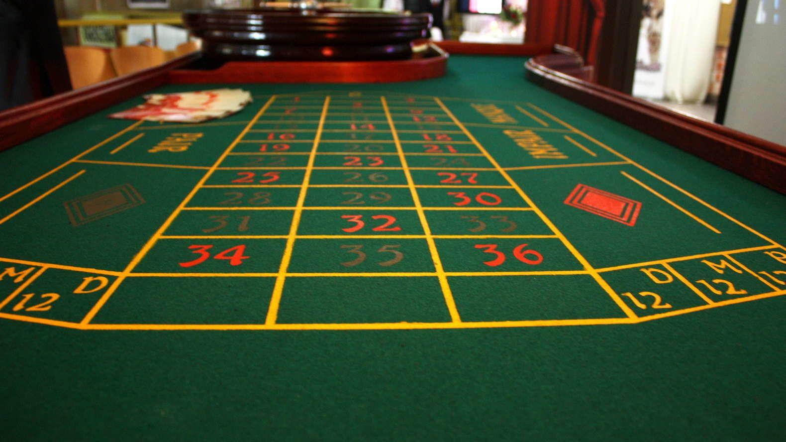casinoroulettetablethedealer