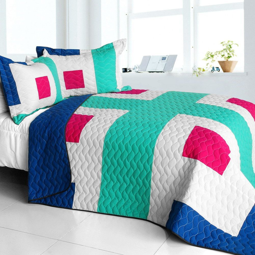 The Cross of Life Vermicelli Quilted Patchwork Geometric Quilt Set Full/Queen