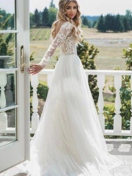 valentinesday romantic This long-sleeved wedding dress with lace is so romantic - perfect for a Valentine s Day wedding dress #Valentineswedding #Valentinesdaywedding #ValentinesDay #Valentinesdayweddingdecor #valentinesweddingdecor #weddingdress #romanticweddingdress #Valentinesweddingdress