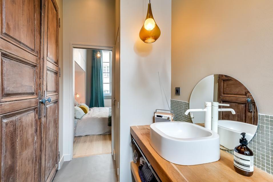 Antico Bagno ~ GarÇonniÈre nel marais: tra antico e moderno il bagno è illuminato