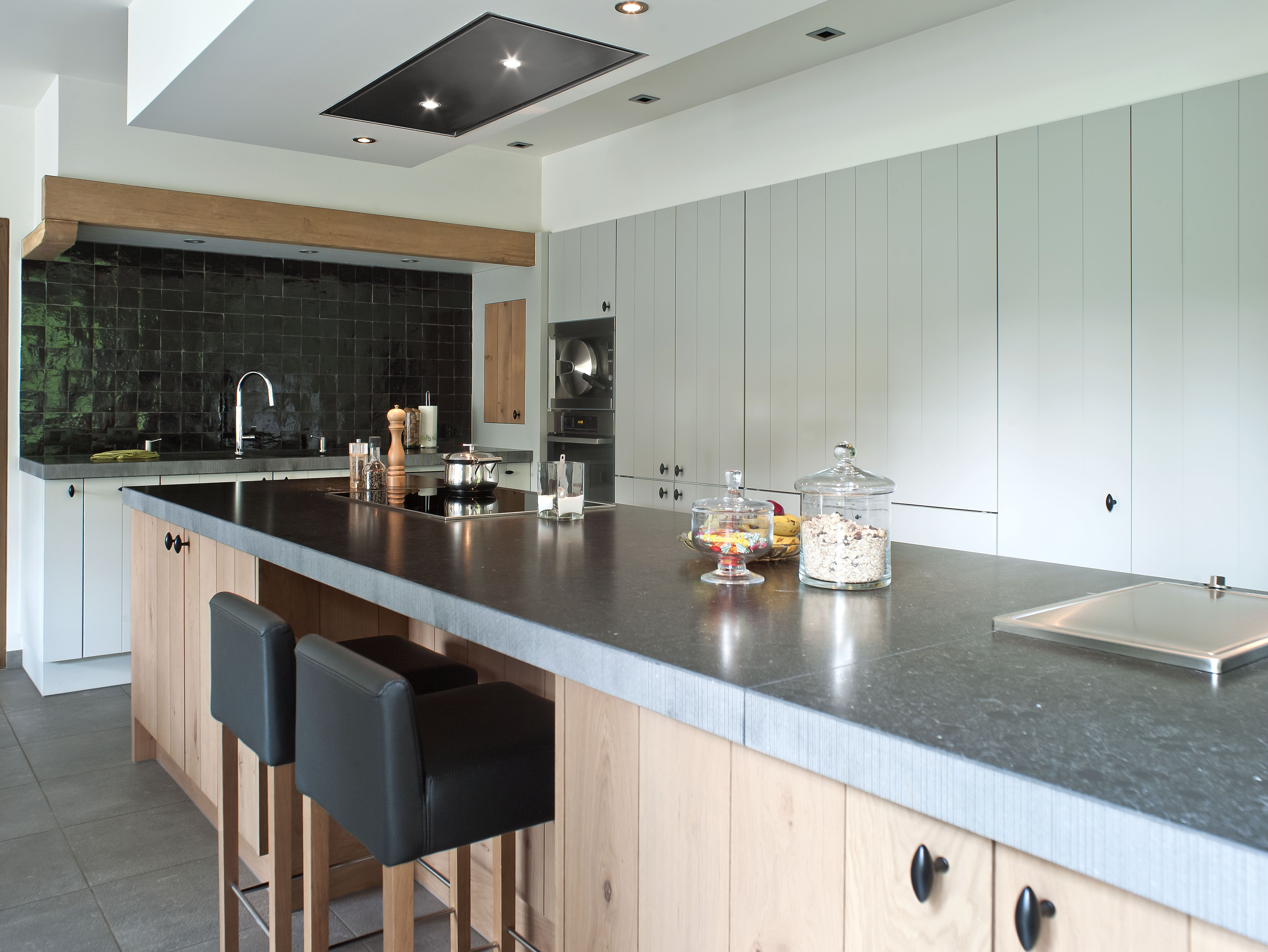 Keuken Interieur Scandinavisch : Landelijke keuken mdf geschilderd en massieve eik belgian style