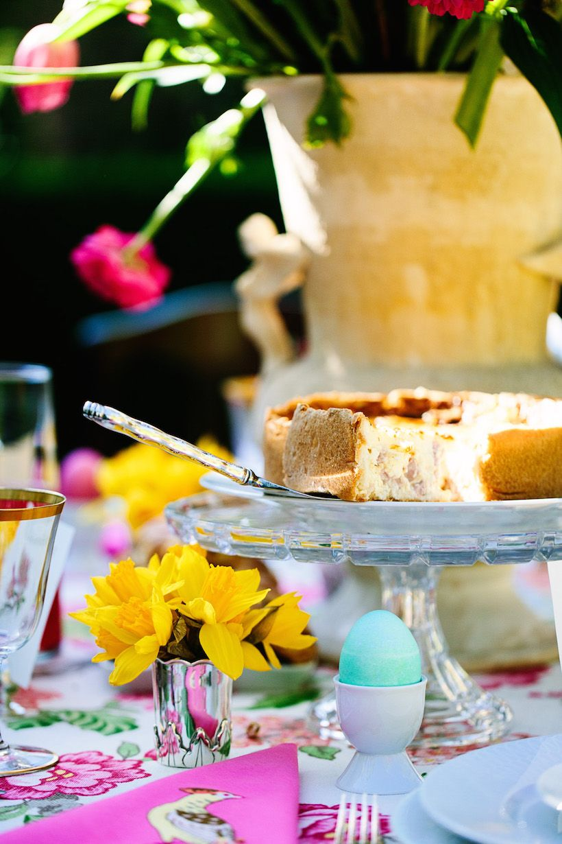 An Easter Brunch with Timothy Corrigan - Camille Styles & An Easter Brunch with Timothy Corrigan | Brunch table setting ...