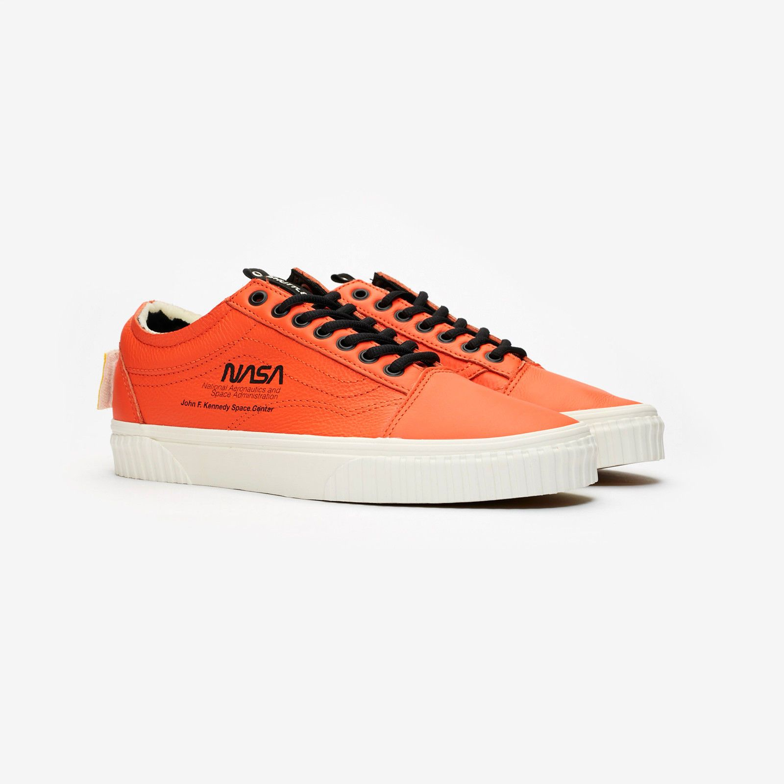 d6cf6a8c2690d5 Details about NASA x Vans Old Skool Space Voyager Firecracker Red ...