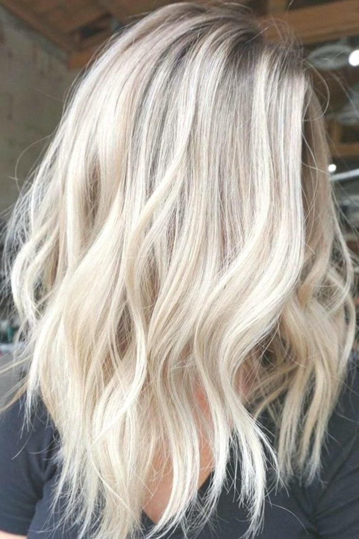 43 Acconciature Bionde Ultra Flirty Che Devi Provare Nel 2019 Pagina 5 Di 9 In 2020 With Images Mid Length Blonde Hair Blonde Hair Looks Blonde Hair With Highlights