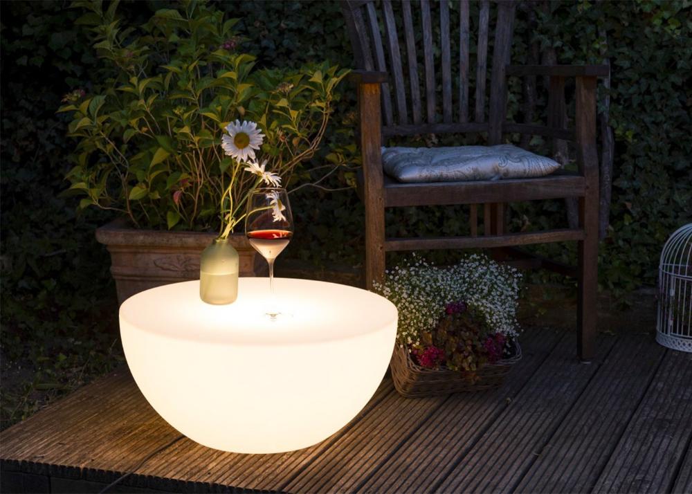 Table Basse D Exterieur Lumineuse Par 8 Seasons Design En 2020 Table Basse Lumineuse Table Basse Jardin Table Basse Exterieur