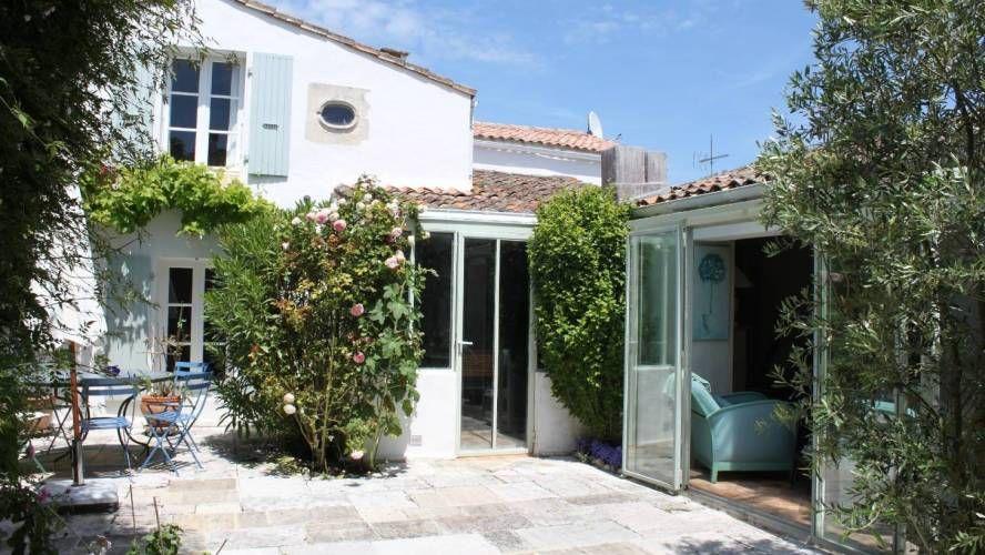 vente maison de village bord de mer loix ile de r 17111 c te littoral ile de r. Black Bedroom Furniture Sets. Home Design Ideas