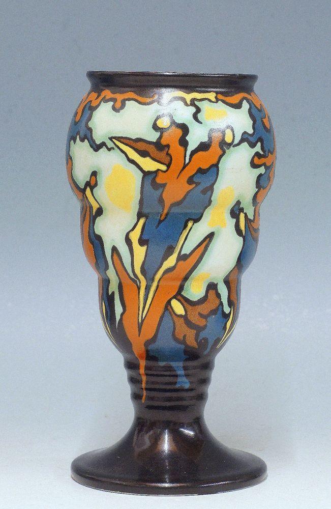 A Very Good Regina Matt Art Deco Gouda Vase Melba 30s Vase