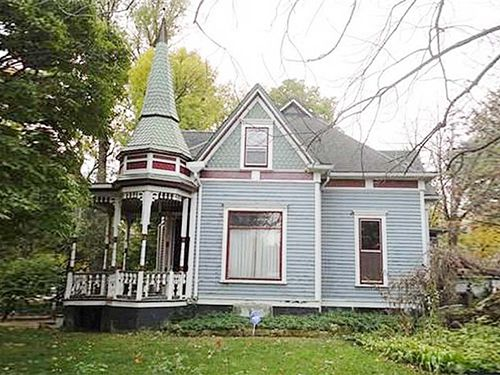 10 Enchanting Victorian Houses For Sale Victorian Houses For Sale Victorian Homes House