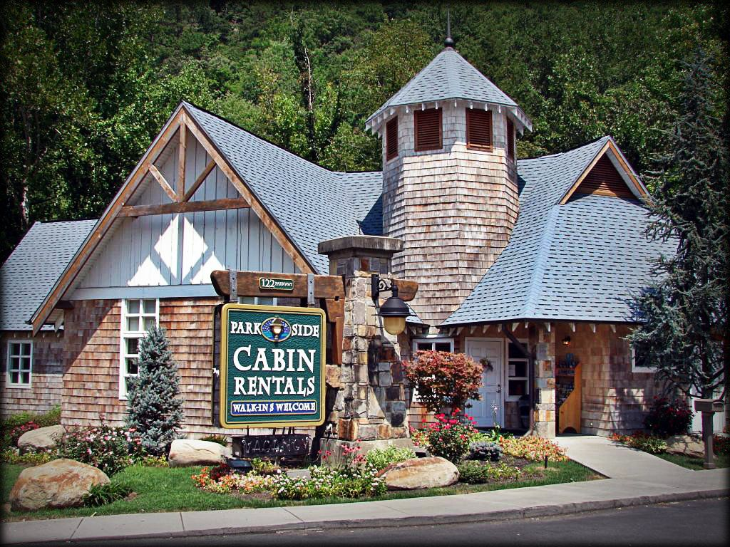 Parkside Cabin Rental Office In Gatlinburg. My Favorite Place To Rent 1  Bedroom Cabins From