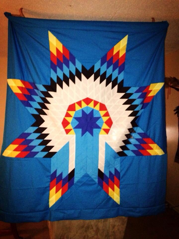Star quilts I love! Native Life: Bling, Beads, Sewing Pinterest Star quilts, Star and Star ...