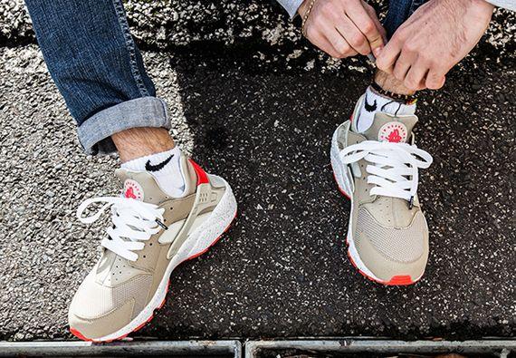 Nike Air Huarache Light Beige Laser Crimson Kicksonfire Com Nike Free Runs For Women Cheap Nike Air Max Nike