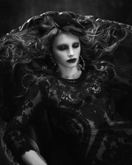 Strangely Compelling Title Gothic Beauty Models Ran And