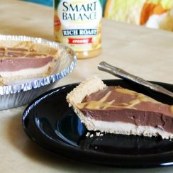 Super Easy Peanut Butter Chocolate Pie
