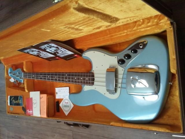 Fender vintage 62 jazz bass that necessary